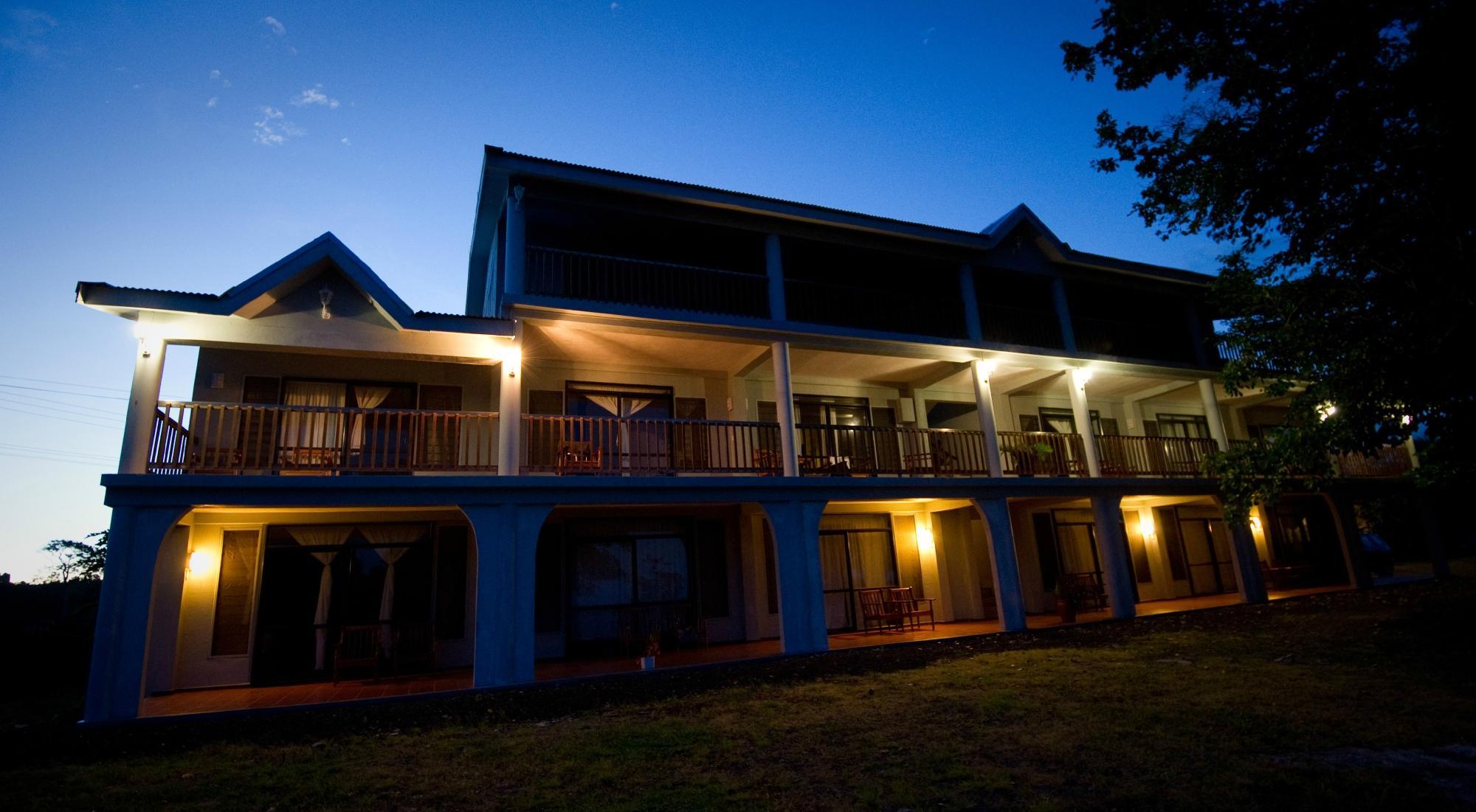 露西亞湖畔城堡酒店