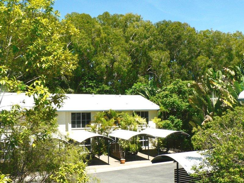At the Mango Tree Holiday Apartments