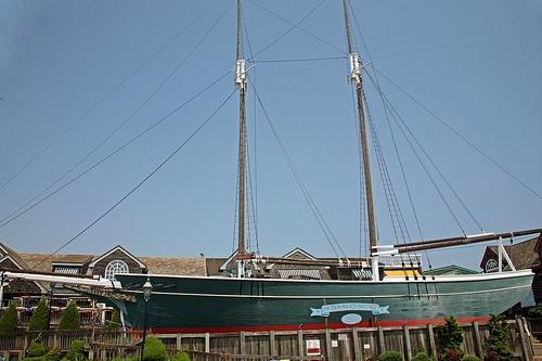 Schooner's Wharf