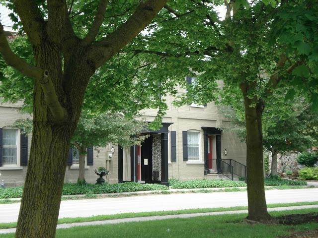 St. Vincent Row Suites