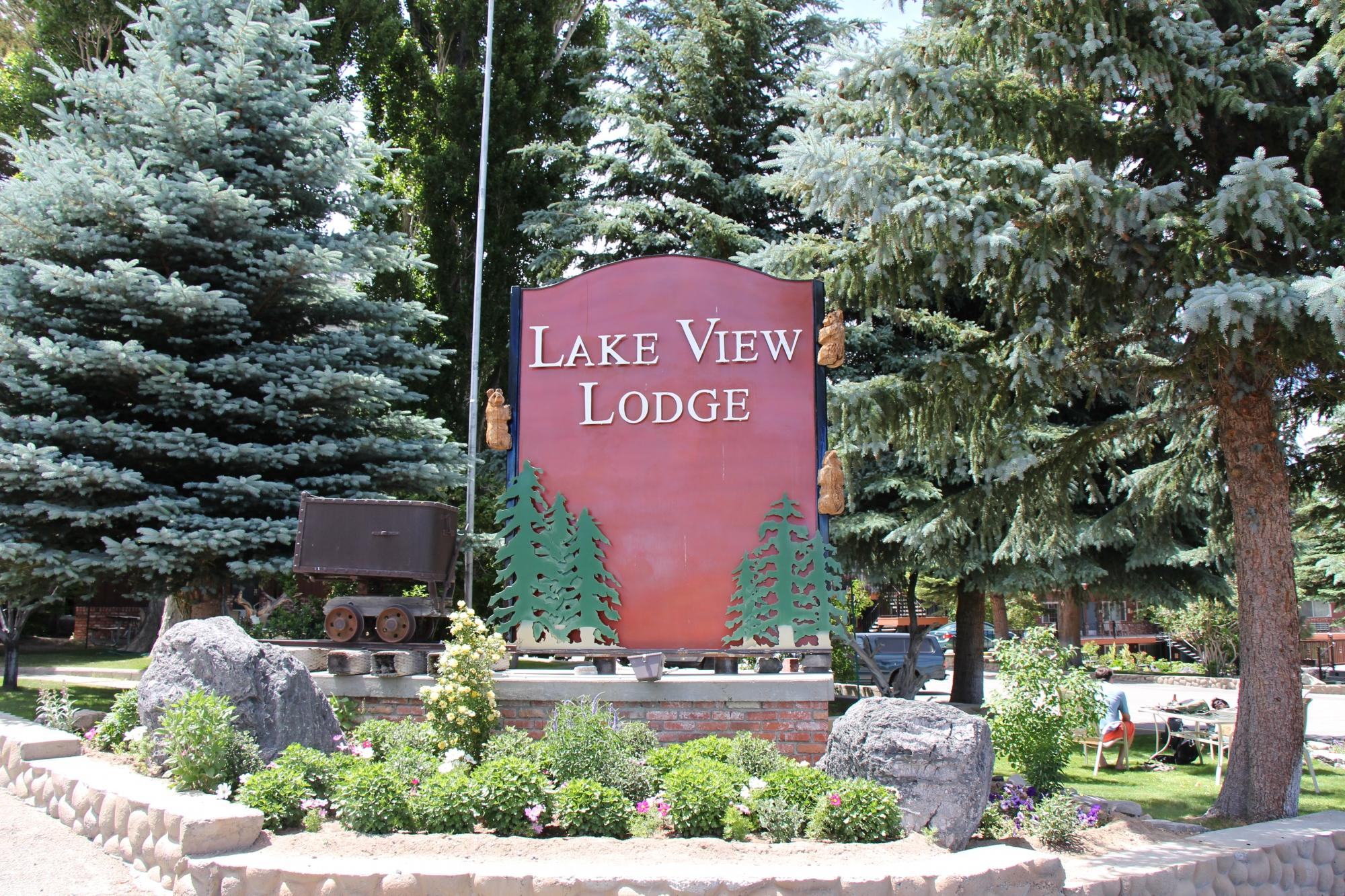 Lake View Lodge