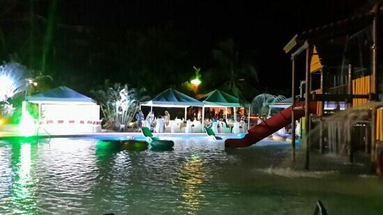 Resort y Parque Acuatico Valle Dorado