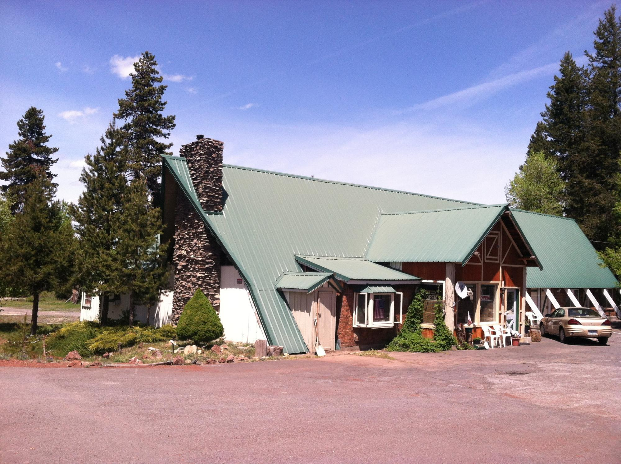 Eagle Crater Lake Inn
