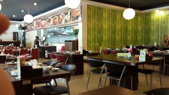 Bukit Golf Resto & Cafe