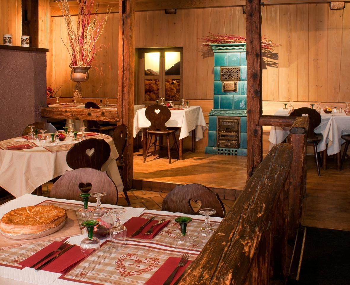 Winstub la taverne colmar restaurant reviews phone for Restaurant la maison rouge colmar