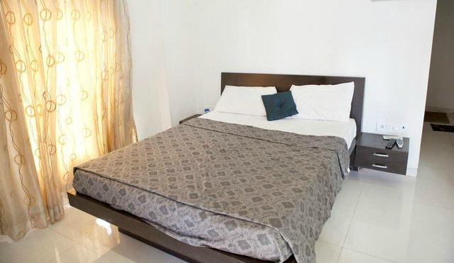 Dream Home Serviced Apartment Lukhandwala Complex