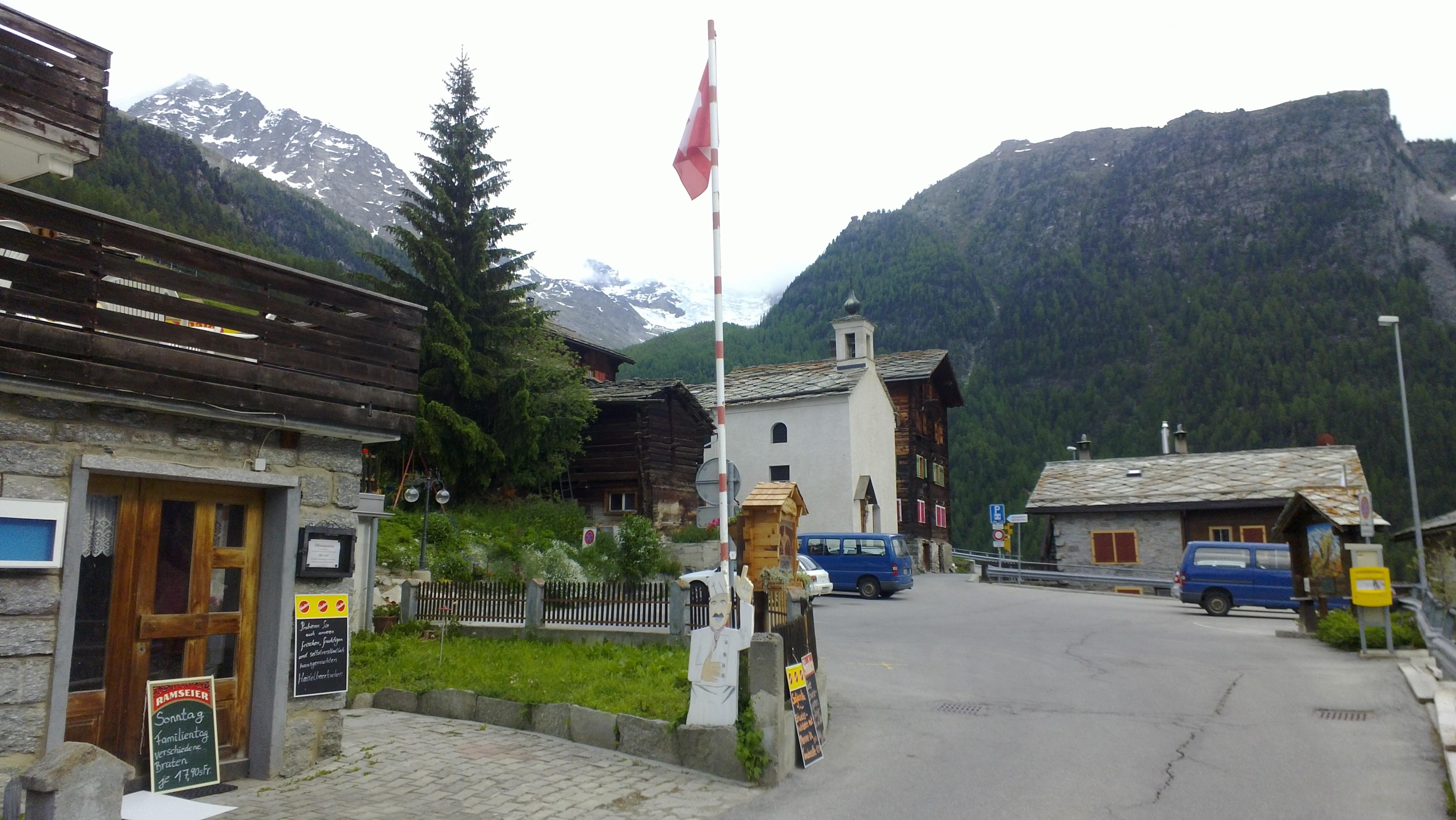 Matterhorn Valley Hostel Alpenrosli
