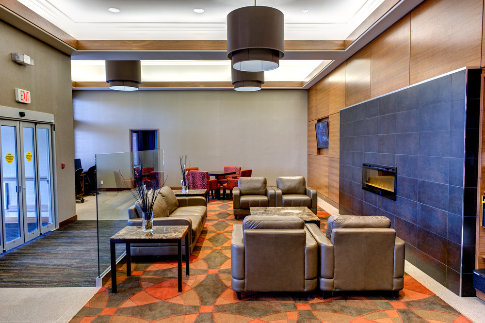 Radisson Hotel & Suites Fort McMurray