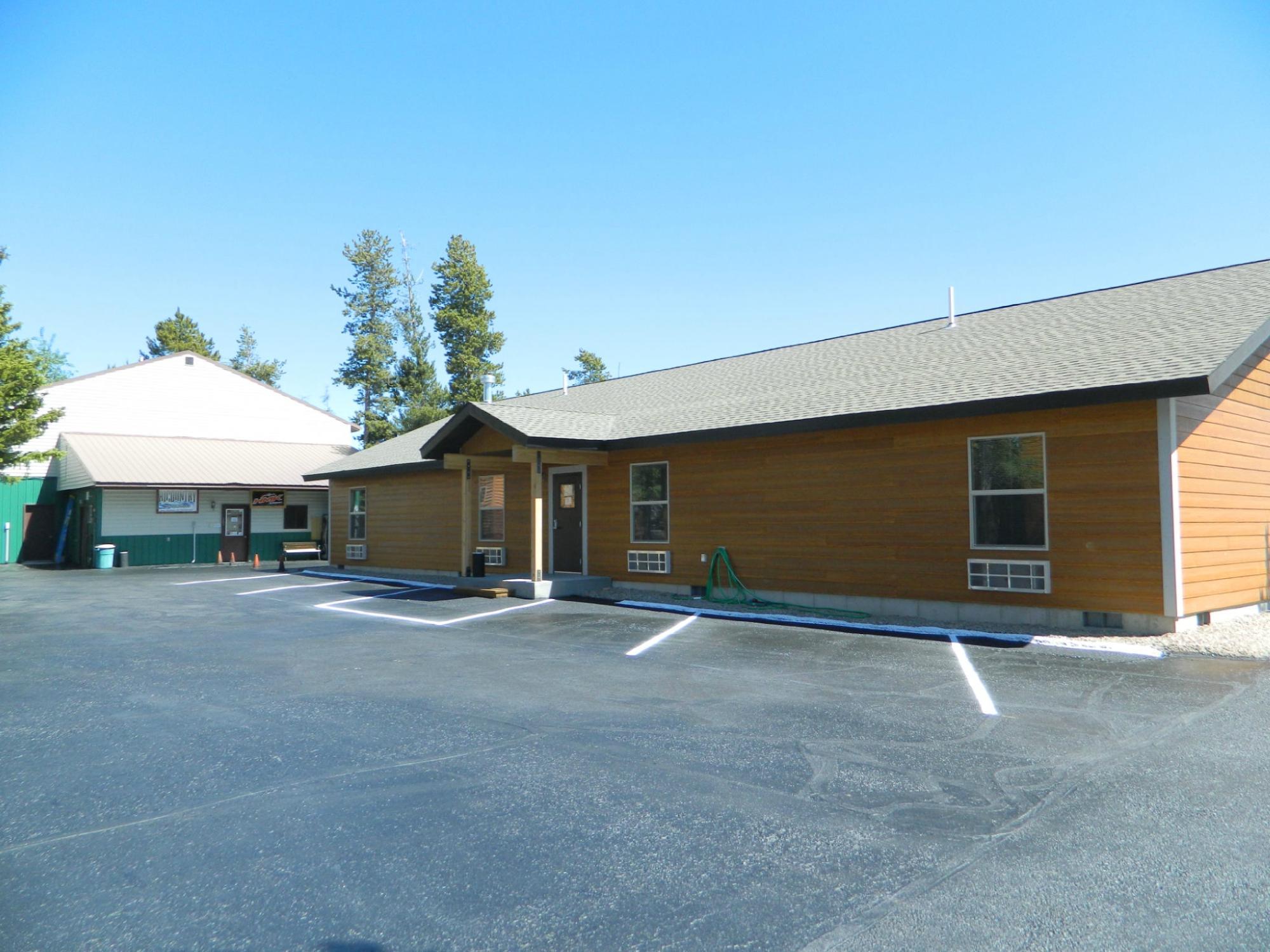 Pine Shadows Motel