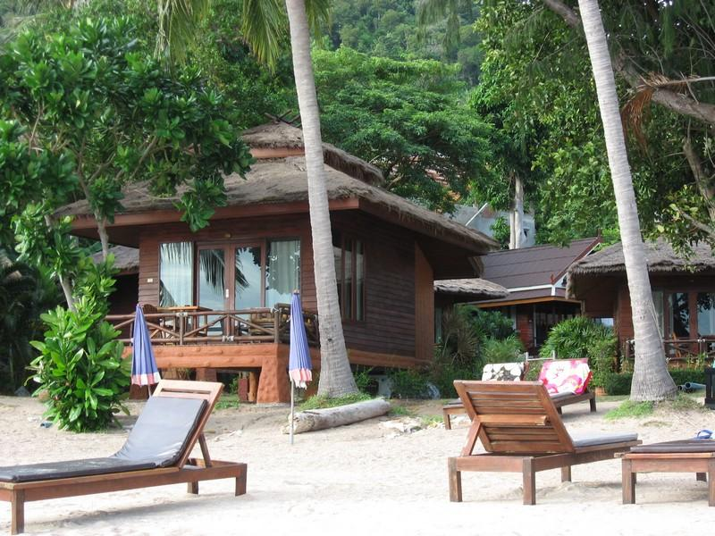 Bow Thong Resort