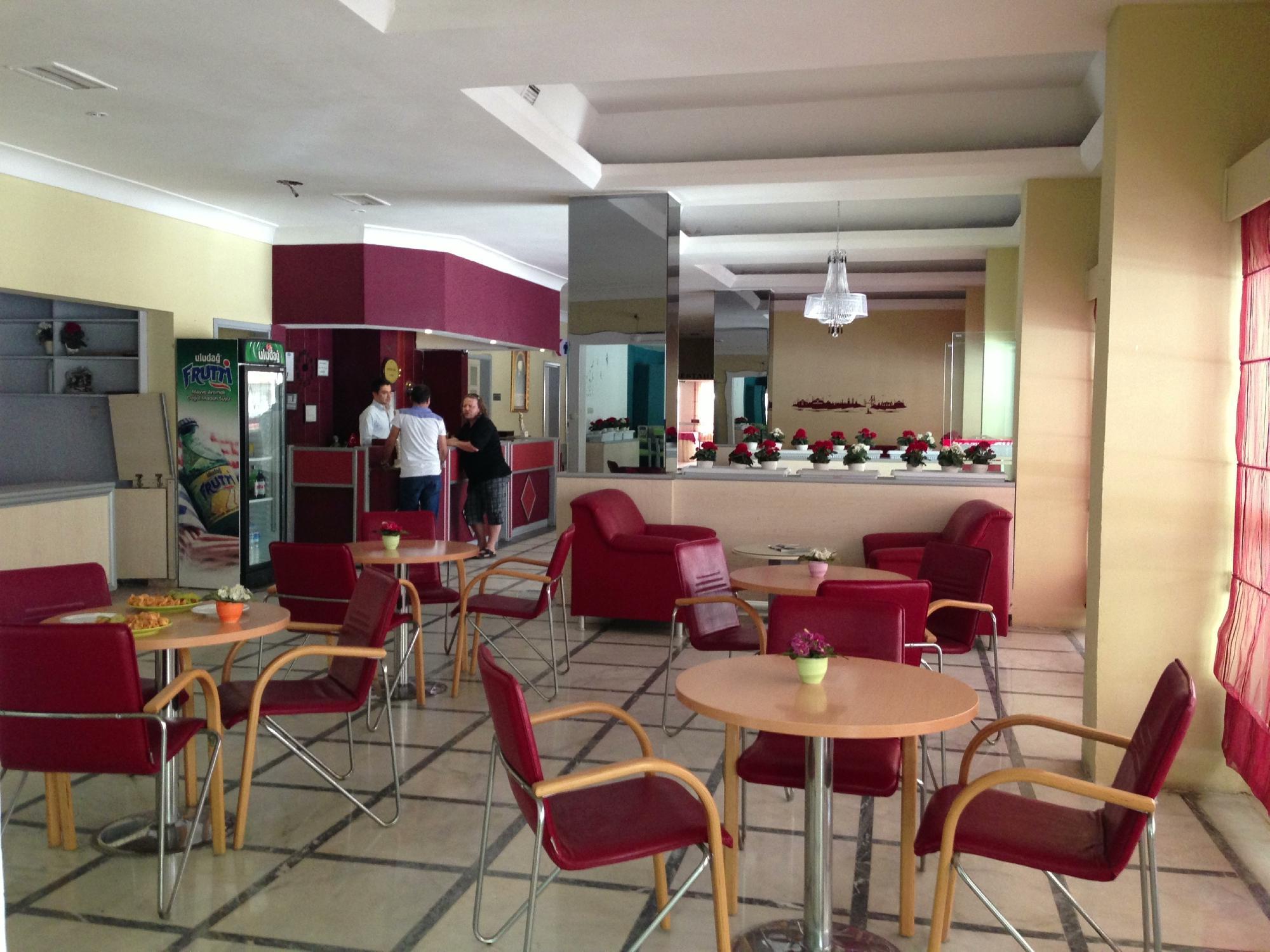 Santur Hotel 3*