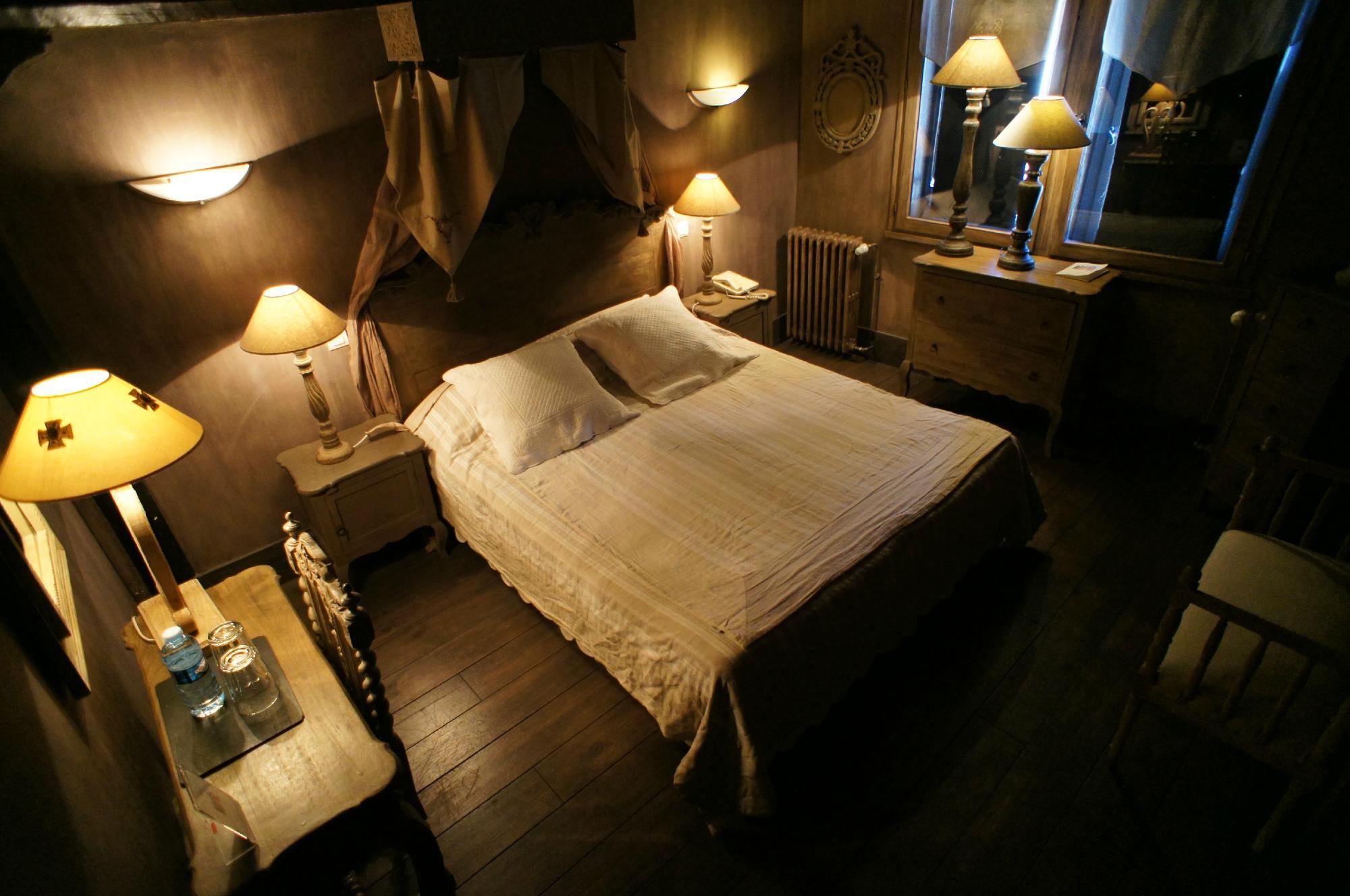 La Tour Cocooning Gastronomie Hotel Chatillon