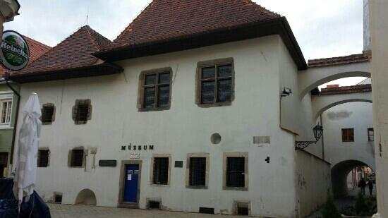 Mikluš Prison