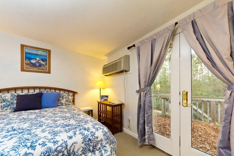 Woodsong Inn Retreat