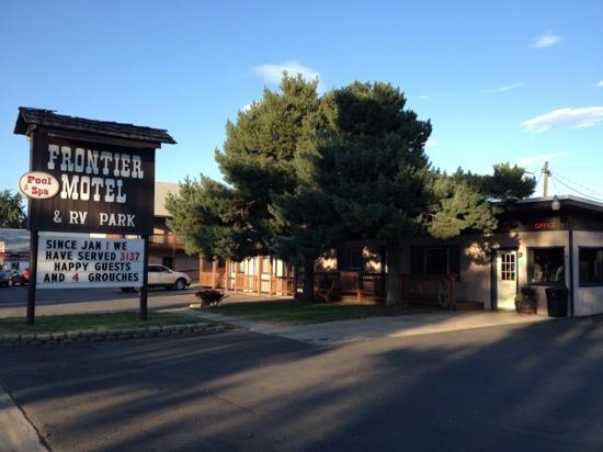 Frontier Motel & RV Park