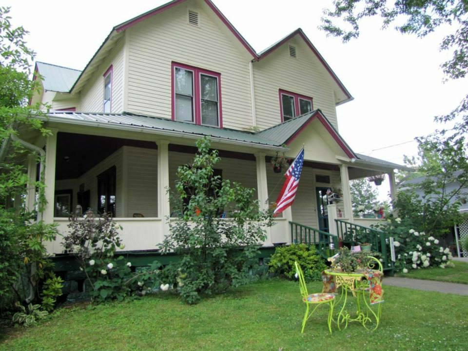 Olde Magnolia House Inn