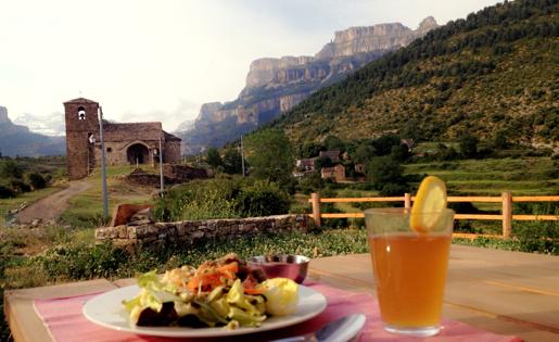Casa Cuadrau Restaurante Vegetariano - Yoga, Arte y Naturaleza