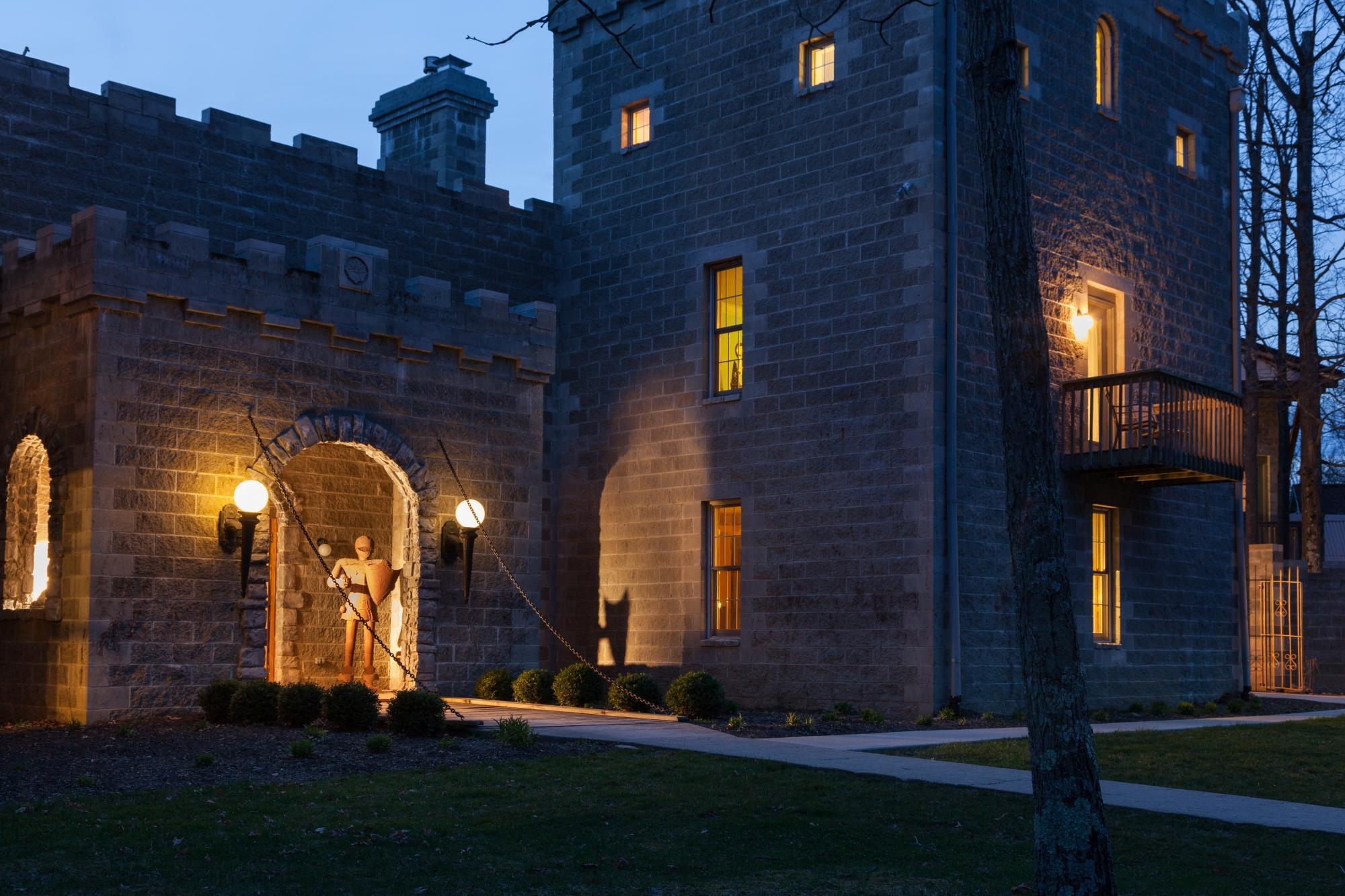 Ravenwood Castle