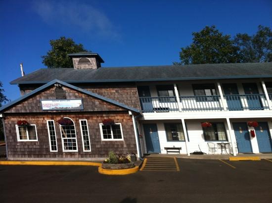 The South Jetty Inn