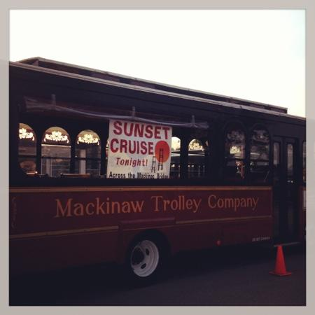 ‪Mackinaw Trolley- Day Tours‬