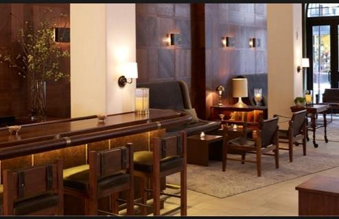 Winnie's Lobby Bar