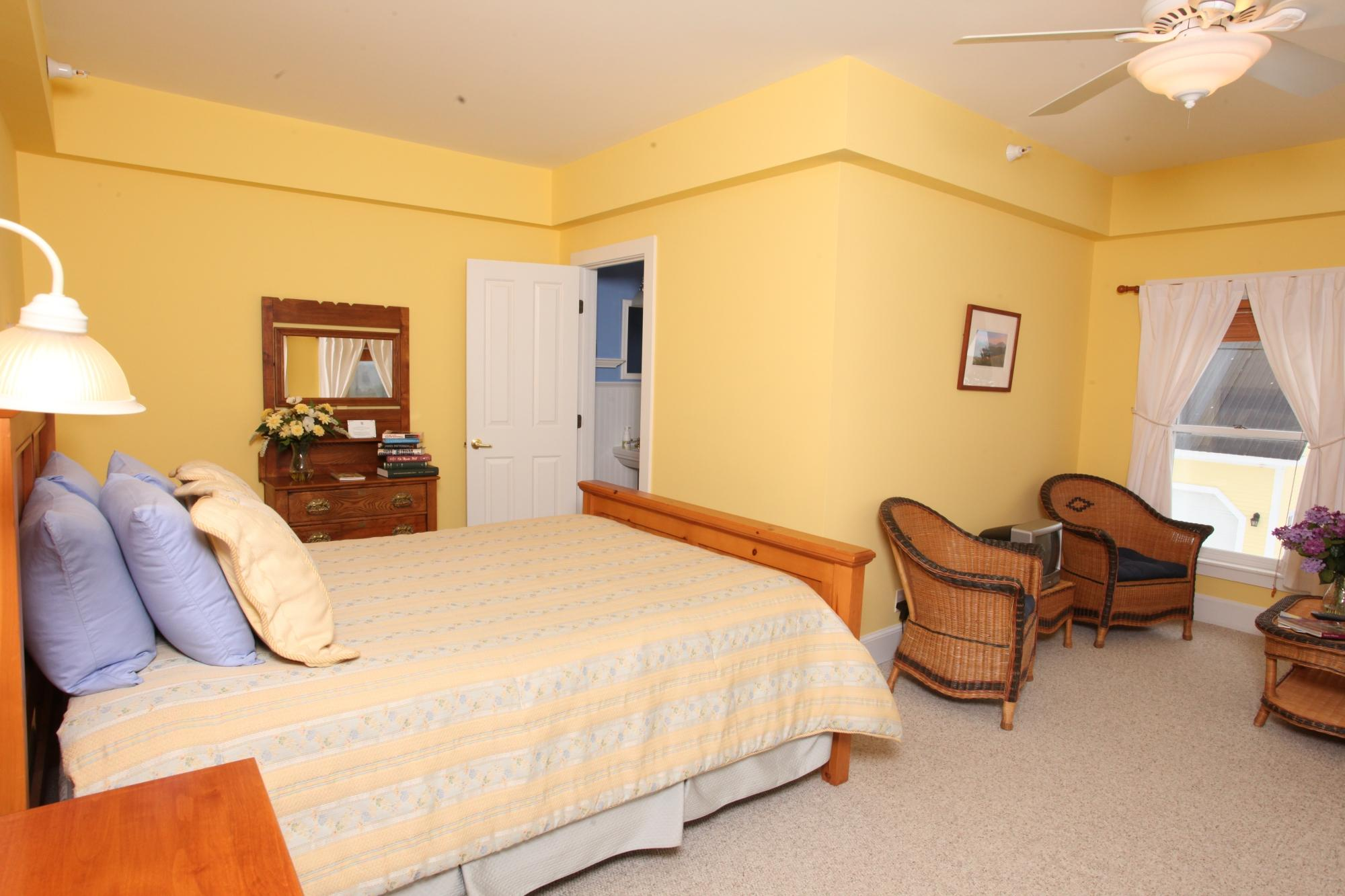 Yellow Farmhouse Inn