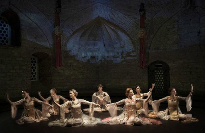 """Dans gösterisi """"Dansın Ritmi"""", Hodjapasha'da sahneleniyor. ile ilgili görsel sonucu"""