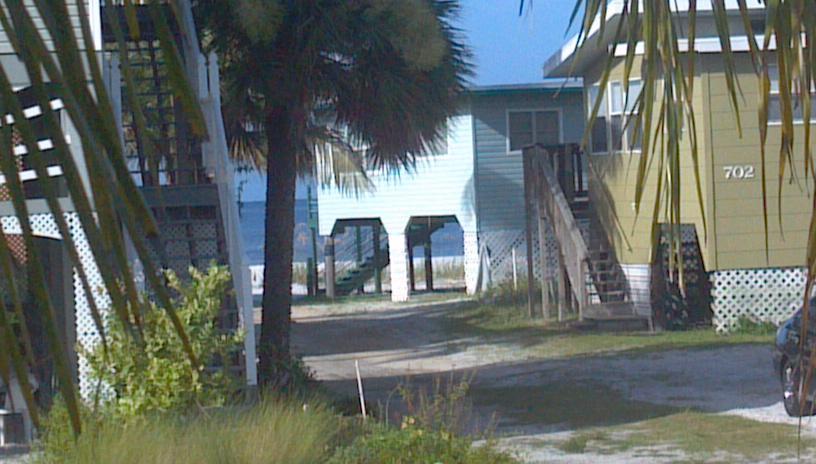 Island House Motel