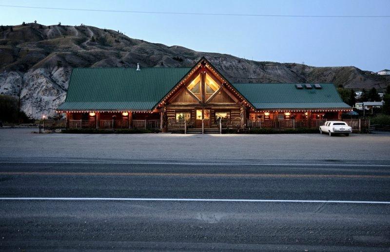 Bear's Claw Lodge