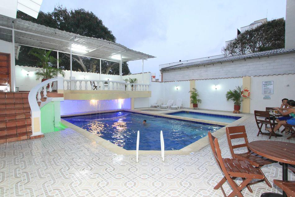 普拉多72酒店