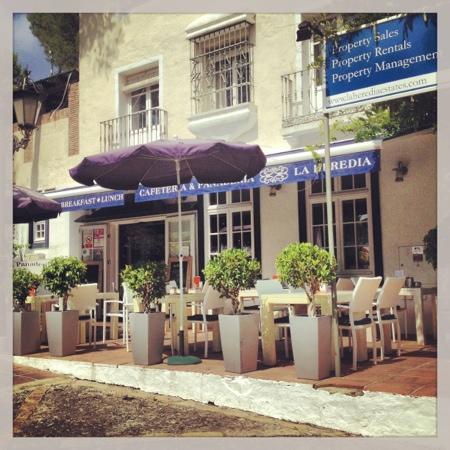 Cafeteria & Panaderia La Herefia
