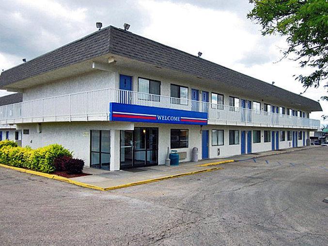 托皮卡西北 6 號汽車旅館