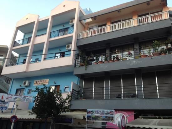 Kahlua Hotel & Apartments