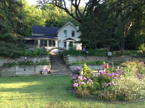 Burr Oaks B&B