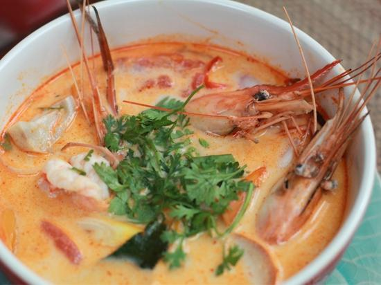 Tom Yum Thai Cooking School