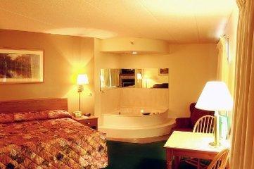 Paynesville Inn & Suites