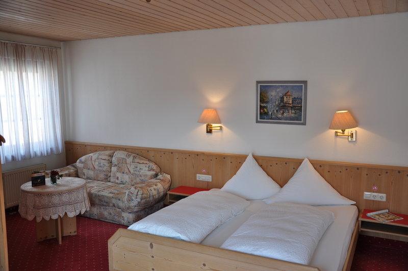 Loewen Hotel