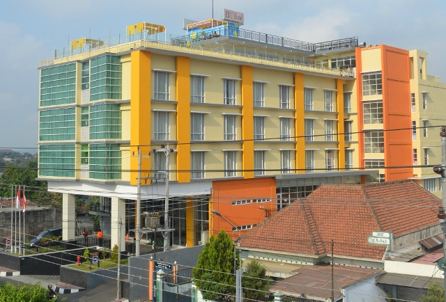 EDU Hostel Jogja - UPDATED 2017 Reviews & Price Comparison ...