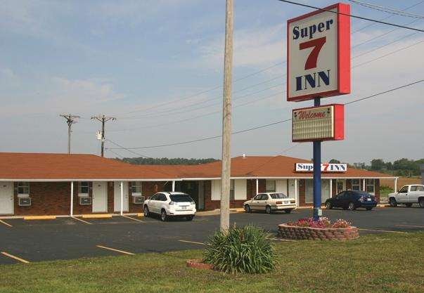 Super 7 Inn Dallas-Southwest, Dallas Motels from $41 - KAYAK