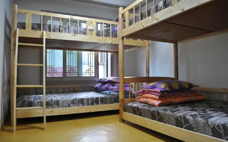 Kyungsung Hostel & LZone Cafe