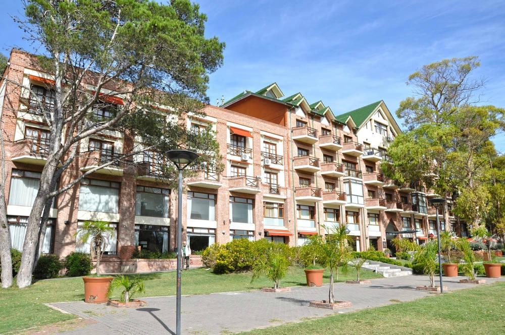 Green Sea Apart Hotel