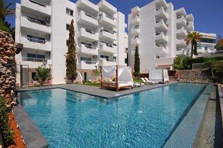 Ferrera Beach Apartments