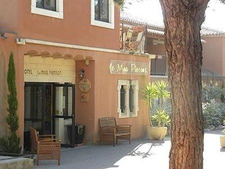 Le Mas Pierrot Hotel