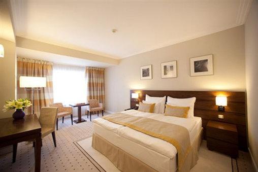 โรงแรม แคปปิตอล พลาซ่า