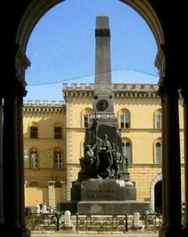 Monumento alla Famiglia Cairoli