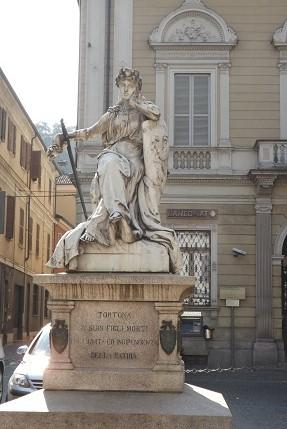 Piazza Arzano