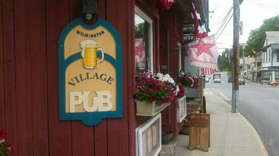 ‪WilmingtonVillage Pub‬