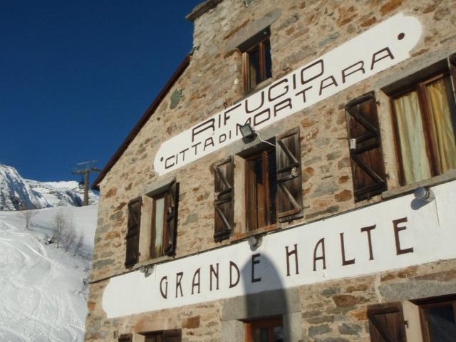 Hut Grande Halte