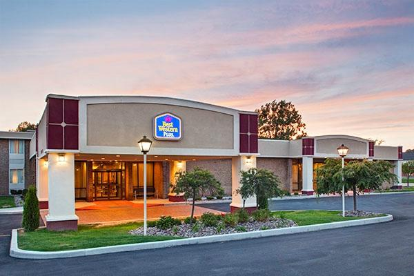 Best Western Plus Lockport 飯店