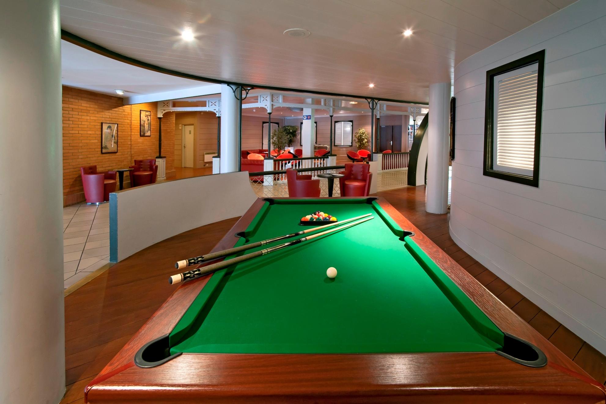 Qualys Hotel Golf Paris Est (Rosny sous Bois) Hotel Reviews, Photos, Rate Comparison TripAdvisor # Bowling Rosny Sous Bois